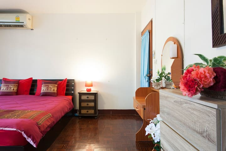 Have a well earned rest in this cozy and comfy retreat we have created for you! Airy & Spacious with a large balcony and cool air conditioning for a refreshing night's sleep. Large comfy bed,  Crispy clean linen, plenty of wardrobe space