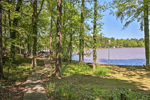 Lakefront Milledgeville Cabin: Private Dock, Porch