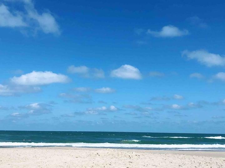 Casa de praia, alguns passos do mar, Wi-Fi rápido