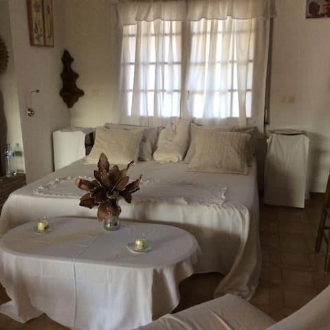 Villa  4 chambres au bord du canal - Castelló d'Empúries - 旅舍