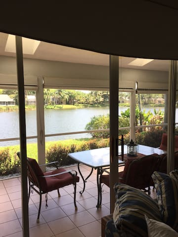 Waterfront Home 10mins from beach - Boynton Beach - Casa
