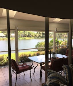 Waterfront Home 10mins from beach - Boynton Beach