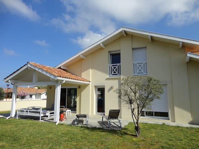 Maison 140 m², proche plages, cote basco-landaise - Tarnos - House