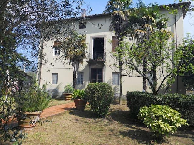 Grande Villa di Campagna immersa nella natura - Lucca - Holiday home