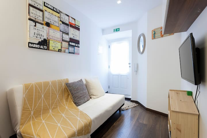 Music Apartment in the heart of Bairro Alto!