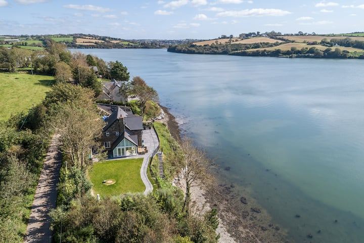 Winward,riverside,kinsale,sleeps 16,7 mins to town