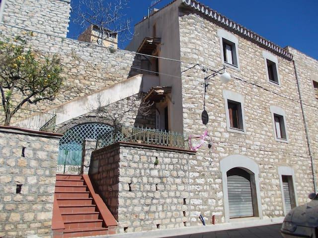Apartment #1: Palazzetto centro storico Baunei - Baunei - Casa