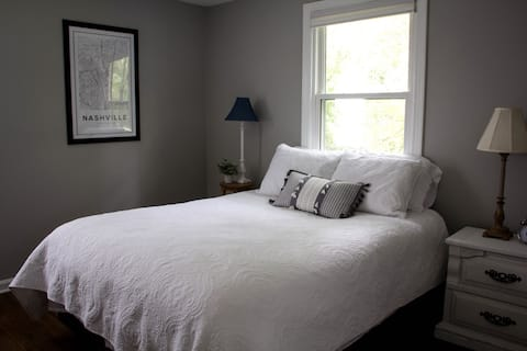 The Donelson Dwelling: Quiet, Clean, Comfortable.