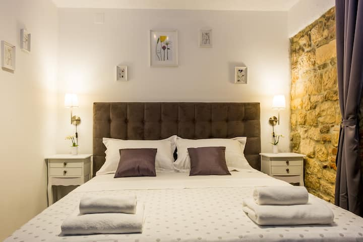 Xiv Century rooms- Standard double room