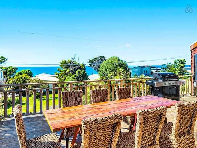 SURF LODGE - large deck with stunning ocean views