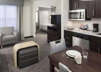 1 BR suite w/ sofabed @ Hilton - San Jose