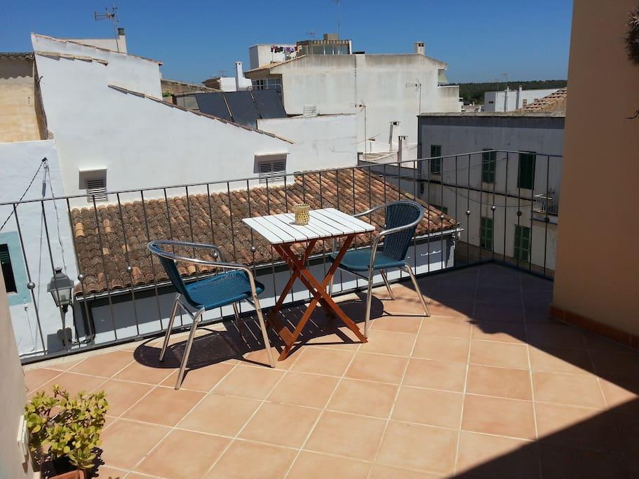 Terraza y aseo exterior (3a planta)