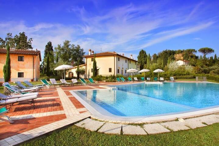 Villa Vignola* - Montaione - Villa