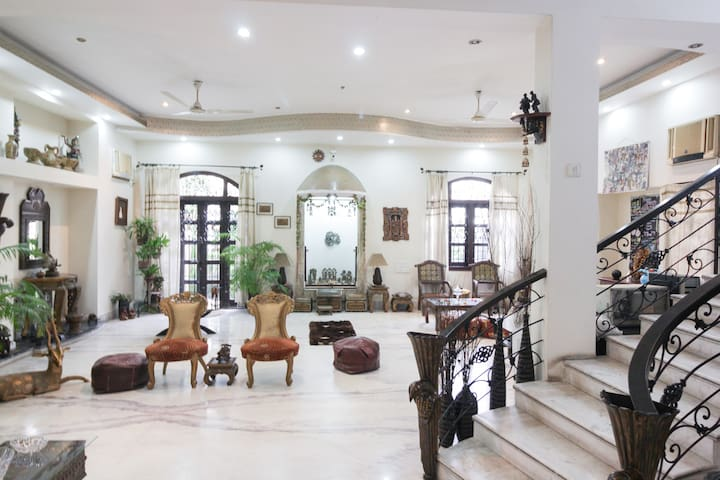2 Rooms in a Salt Lake Villa | Comfy B&B | AC - Kolkata - Villa