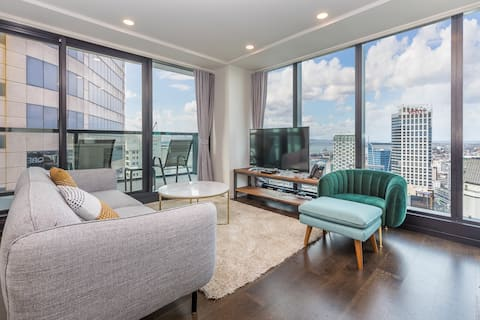 P2 Spacious Penthouse with Harbor& City View