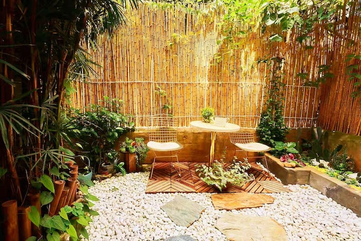 小院里·法翠|云南大学翠湖文林街旁|市中心花园小院子 轻奢大床 无限发呆晒太阳