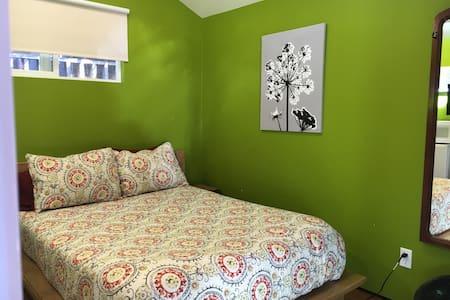 Simple and Sweet Garden Studio - Aptos Hills-Larkin Valley - Guesthouse