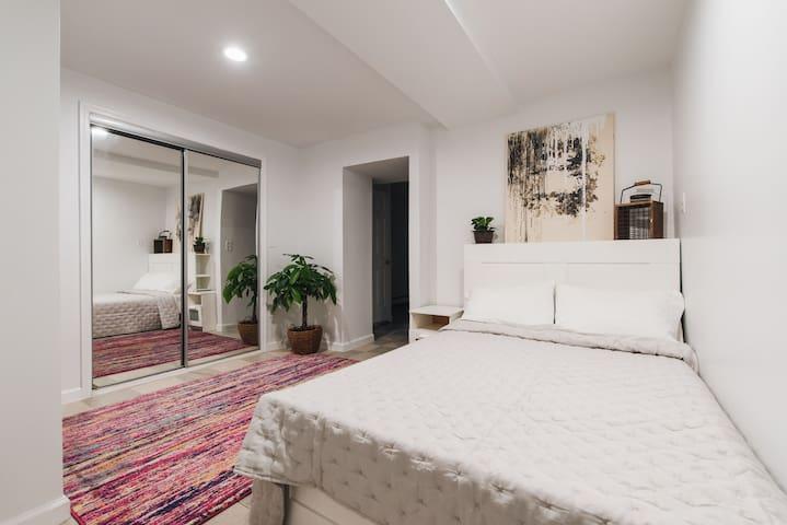 Cozy Entire Floor Private 2 Bedroom & Bath