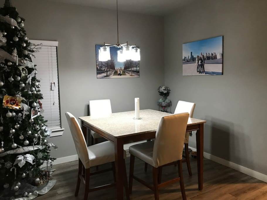 Dining area, open floor plan allows for great circulation and not feeling cramped in