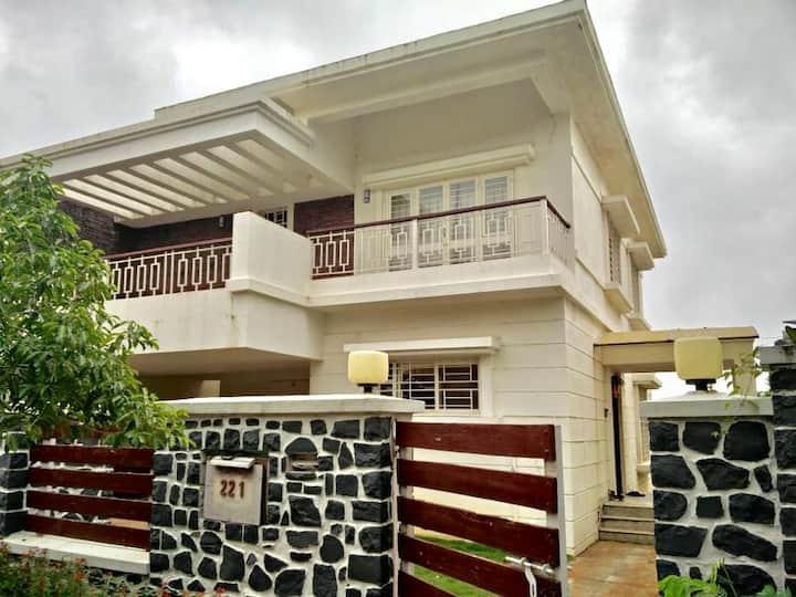 Lavish Fully furnished Party Villa