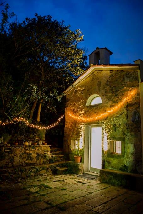 Welcome to the Little Church in Campiglia - a small country cottage with sea view :)  Benvenuti alla Chiesina di Campiglia - una casetta di campagna vista mare :)