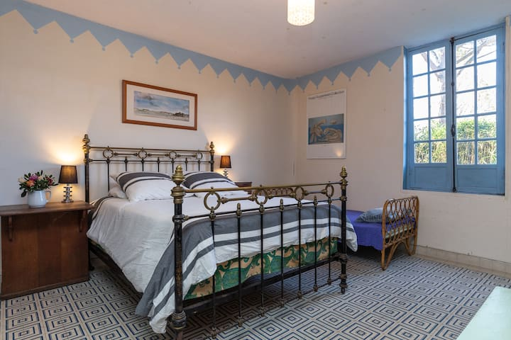 """Le Grand Yote 1810: triple room """"Bristol"""""""