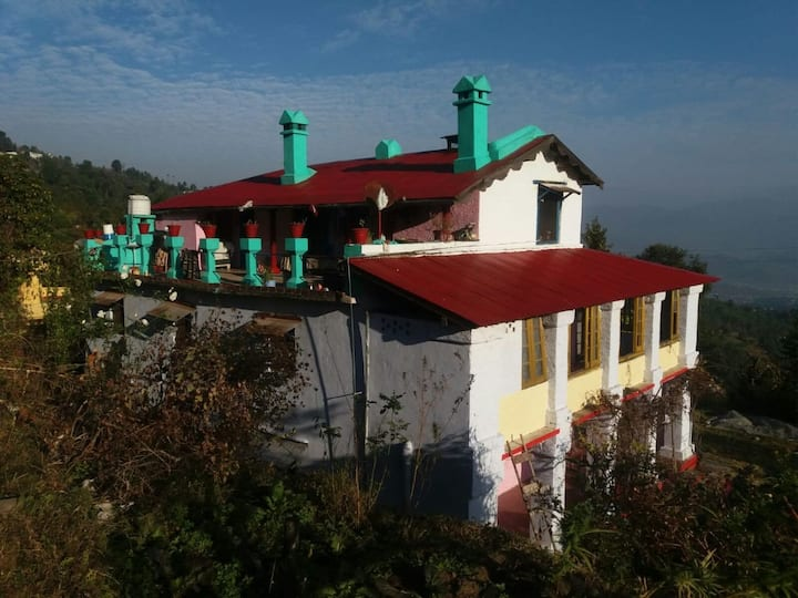 Homestay In Kausani With Himalayan View