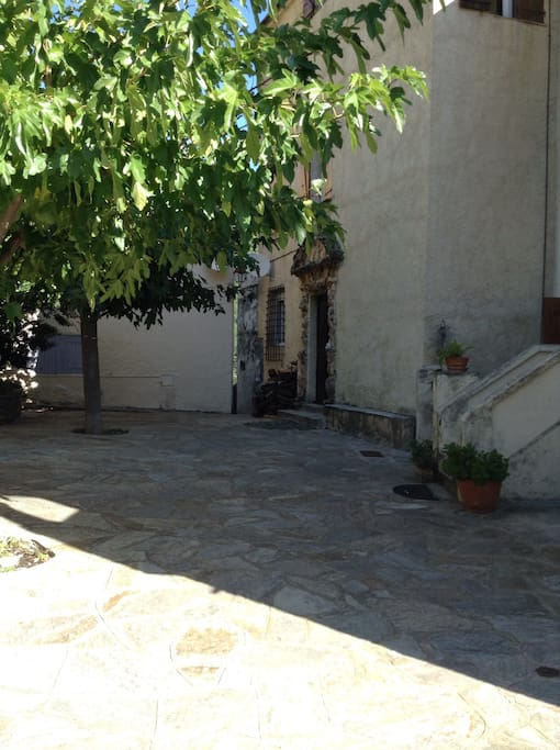 La place du village de Mausoléo
