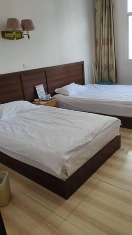两张1.2米的床