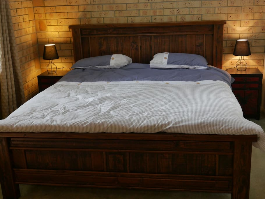 king size bed in parents retreat