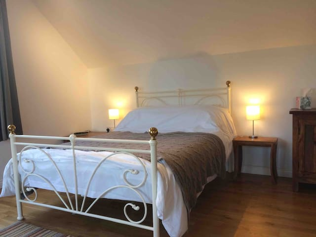 Double bed- ideal for single travellers or couples.
