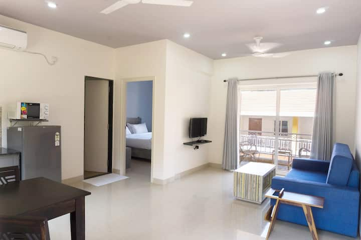 PREMIUM 1 BHK APARTMENT NEAR ANJUNA BEACH