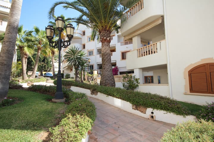 Javea Port,ideal for 2,pool, 3 min sea,wifi,2 bath