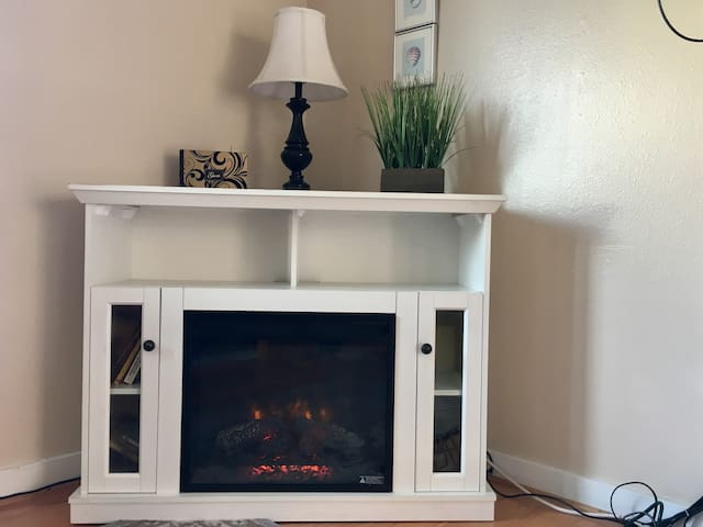 Fireplace Changes Colors w/Optional Heat