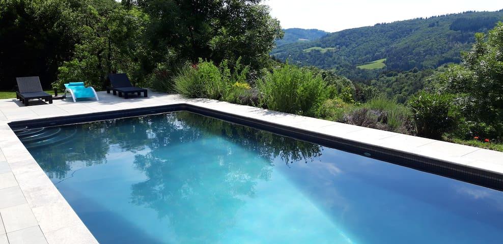 Gite Ardéchois  avec piscine
