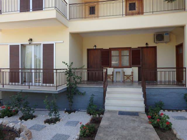 """""""Eugenia's House"""" - Agios Andreas - 公寓"""