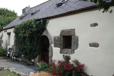 Goas Teriot Gite - House