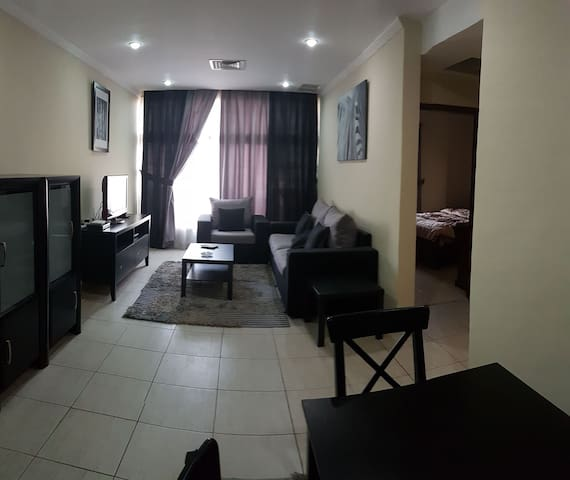one bedroom furnished closed to the malls