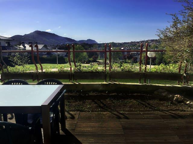 DUPLEX between Bilbao and beaches, excellent views - Leioa - Huis