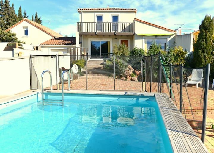 Grande villa neuve avec piscine près mer et  Sète