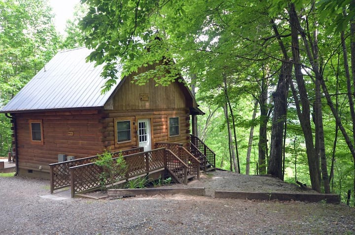 Solitude Cabin - Quiet, Wooded