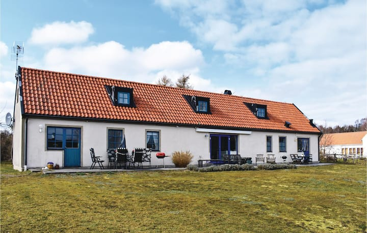 Amazing home in Borrby with WiFi and 3 Bedrooms