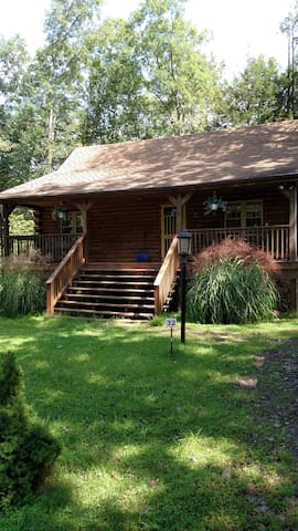 POCONOS LOG CABIN VACATION RENTALS