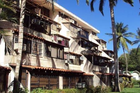 Apto sobre la costa, Playa El Ángel, Carimar Club - Porlamar - Apartament