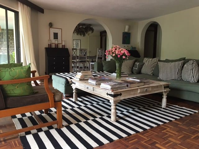 Double room in an artist's loft in Nairobi centre - Nairobi - Loft