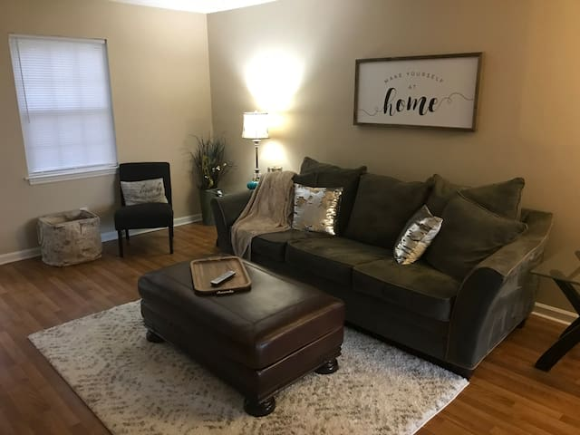 Cozy Townhouse minutes from Downtown Chattanooga