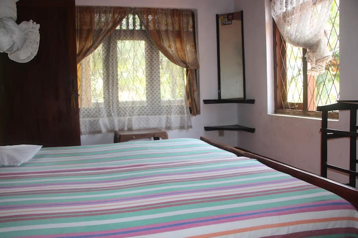Budget stay with Wifi near the Hikkaduwa Beach