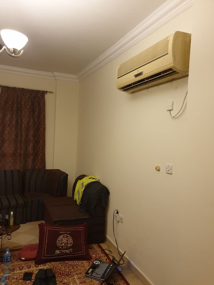 Private Room in Flat, near Cornichie, Central Doha