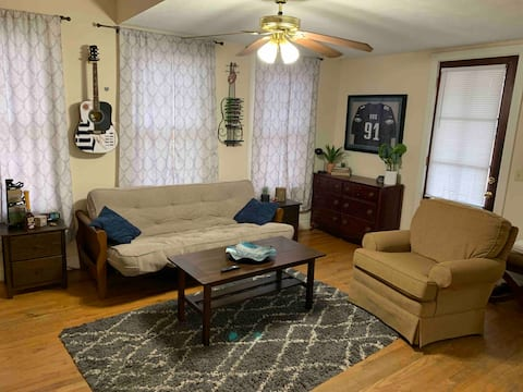 Cotton District Apartment with loft, king bed