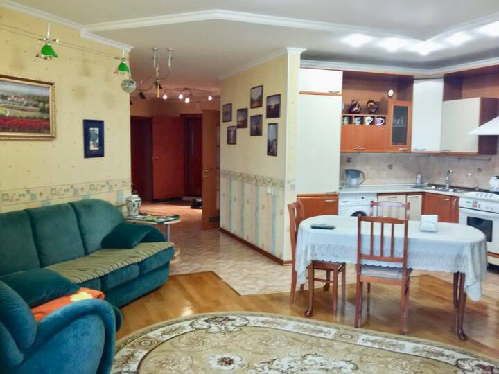 Большая и уютная квартира с сауной в центре Орла